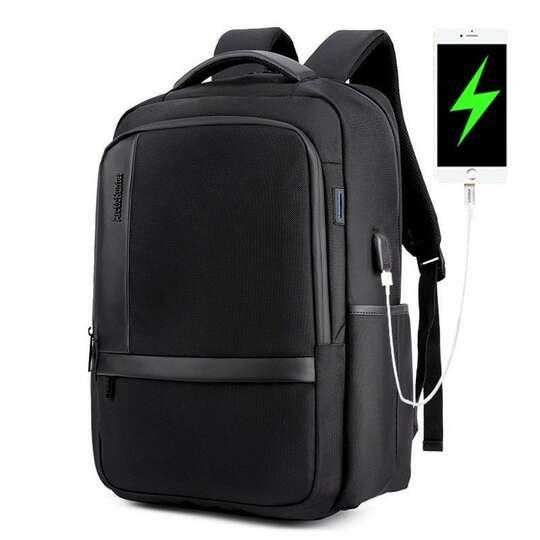 "Plecak Arctic Hunter na laptopa 17,3"" B00120 z USB - Kolor: czarny"