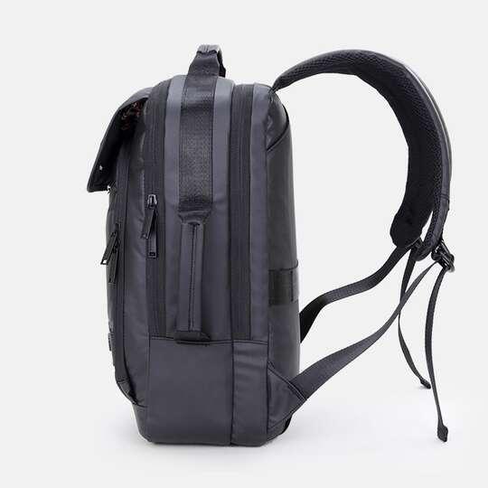 """Plecak Arctic Hunter na laptopa 15,6"""" B00325 z USB"""