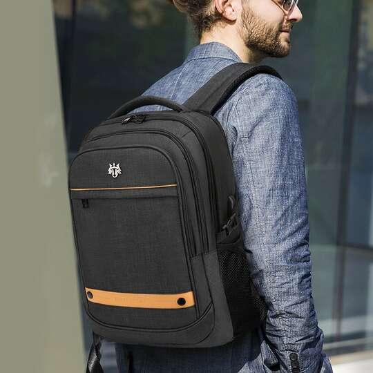 "Plecak Golden Wolf na laptopa 15,6"" GB00370 z USB pojemny"