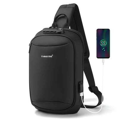 Plecak miejski Tigernu na jedno ramię organizer z USB i RFID T-S8100